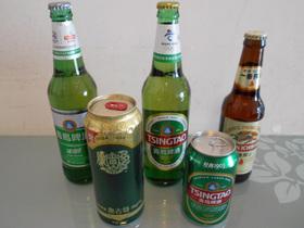 中国を歩いていて手に入るビール。度数は日本より低めだ。