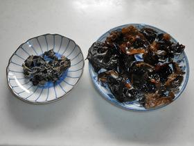 中国産キクラゲを水で戻すと、かさが増え肉厚で立派だ。
