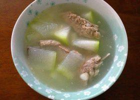 冬瓜と豚スペアリブのスープ