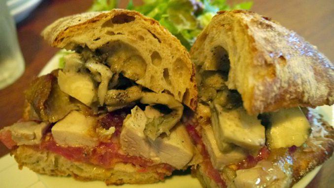 チキンとマイタケのオーブン焼きのサンドイッチ(800円)