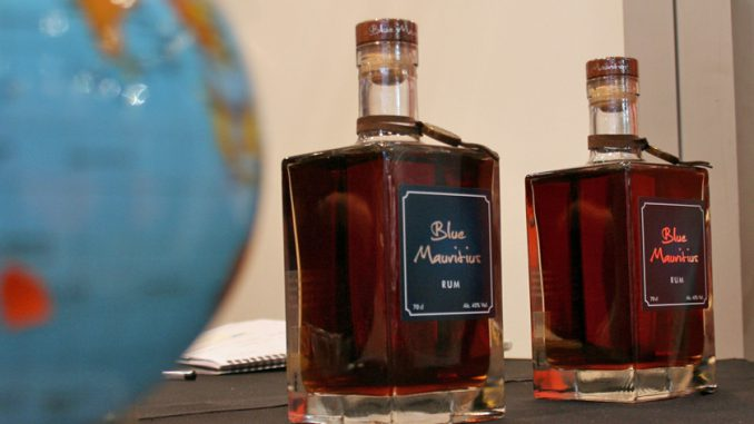 モーリシャスのプレミアム・ラム「Blue Mauritius」。