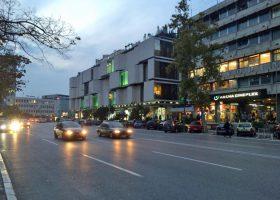 セルビアに夜のとばりが下りてきた。
