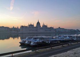 ブダペストの朝焼けは見飽きることが無い。