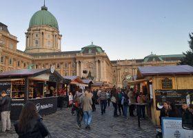 ブダペスト王宮とパーリンカ・フェス