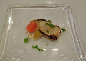 ホタテ貝(噴火湾)のグリルと野菜のマリネ