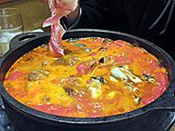 シシリアンルージュ鍋。水分はトマトからのみで、出汁などは加えない