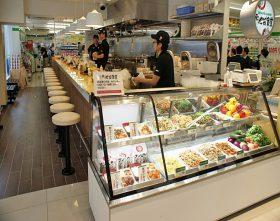 「ファミリーマート+東池袋食堂」
