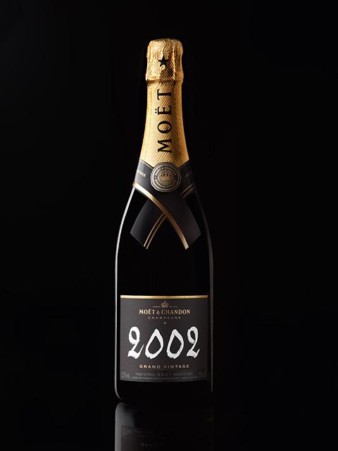 新しいラベルデザインの「モエ・エ・シャンドン グラン ヴィンテージ 2002」