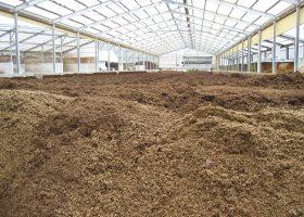 問題のカツはすべて堆肥化したことになっていた。堆肥舎もまた、いろいろなものが集まる場所である(写真はイメージで、記事とは直接関係ありません)