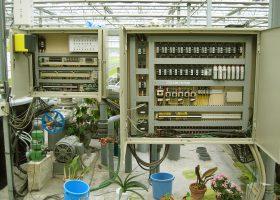 施設栽培の制御板